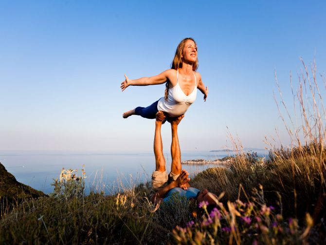 8 Things You Should Know About Acro Yoga